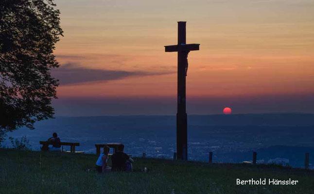 Sonnenuntergang am Aussichtpunkt Maierhalde westlich der Kuchalb