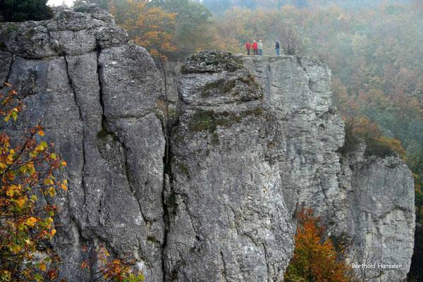 Benachbarter Felsen der Ruine Rueßenstein