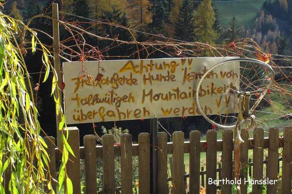 Südtirol - Hinweisschild im Ultertal