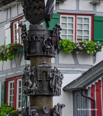 Süßen - Brunnen beim Rathaus