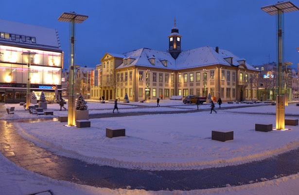 Rathausplatz mit Neuschnee - eine Seltenheit