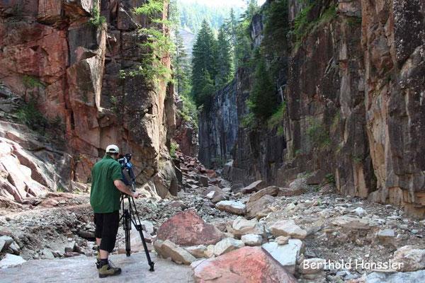 Dolomiten - Die Bletterbachschlucht in der Nähe von Aldein ist ein geologisches Bilderbuch