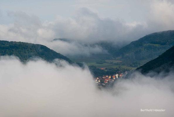September 2020, Nebelmeer im Oberen Filstal, freier Blick auf Unterböhringen