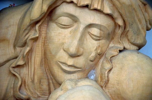 Faurndau - Figur am Kreuzweg bei der katholischen Kirche