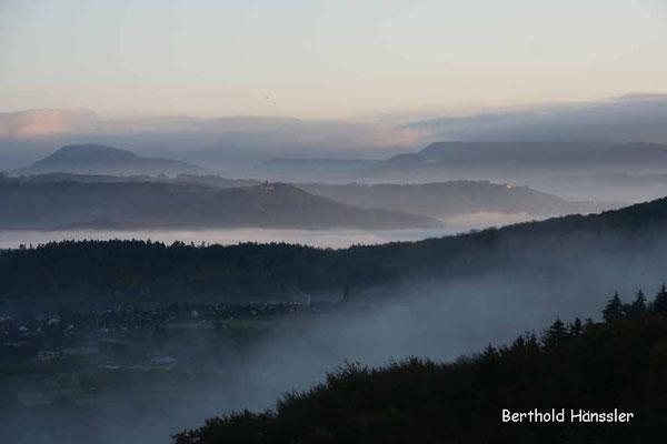 Blick vom Wasserberg über Ramsberg und Staufeneck bis zum Rechberg