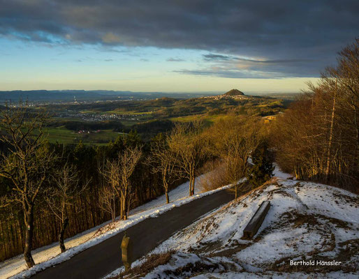 Januar 2020: Blick vom Hohenrechberg zum Hohenstaufen und ins Rehgebirge