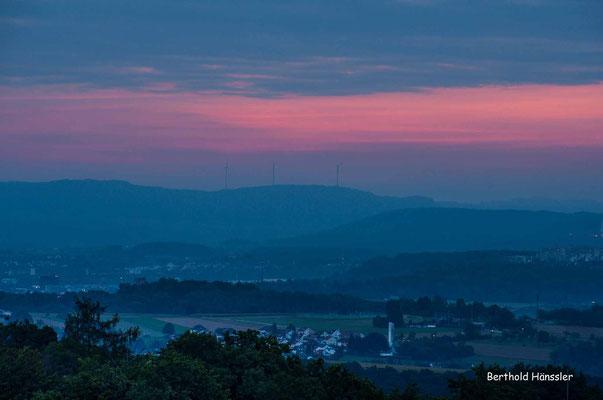 September 2020, Sonnenaufgang vom Aussichtspunkt in Diegelsberg