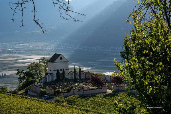 Oktober 2020, Südtirol, Friedhof von Kurtatsch
