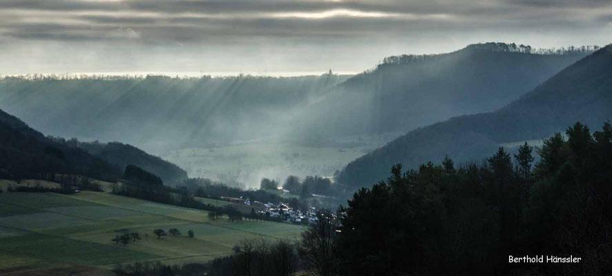 Morgenstimmung am Hexensattel mit Blick über Hausen nach Türckheim