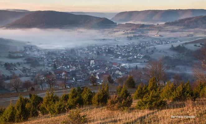 Blick von der Wacholderheide oberhalb von Unterböhringen