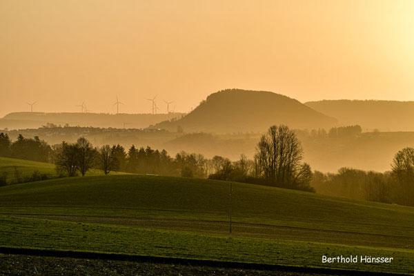 Sonnenaufgang im Rehgebirge - Blick von Hohenstaufen Richtung Stuifen