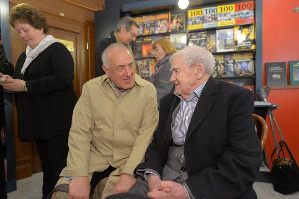 Валерий Попов и Даниил Гранин. 28 апреля 2016 года. Открытие Лавки писателей на площади Льва Толстого