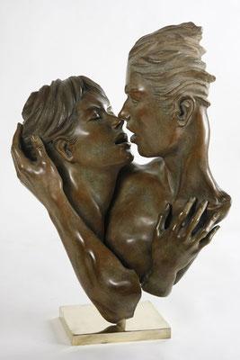 Le baiser - Bronze  63 X 45 X 25 cm