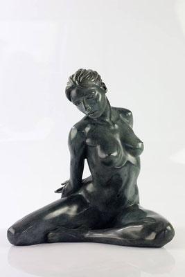 Ivana - Bronze   H 34 X 33 X 30 cm