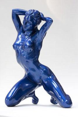 Nadia II   - 57 cm résine bleue nacrée