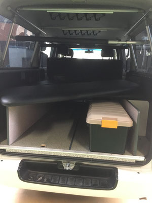 ハイエース用市販のベッドキットフレームをBOX収納型フレームに変更