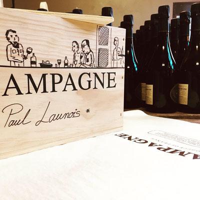 Caisse bois personnalisée par Sarah Launois | Champagne Launois Paul @ Le-Mesnil-sur-Oger - Côte des Blancs (proche Épernay)