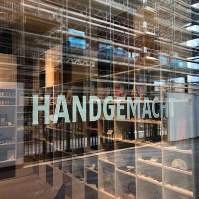 Handgemalte Schaufensterbeschriftung für Fächerei Winterthur