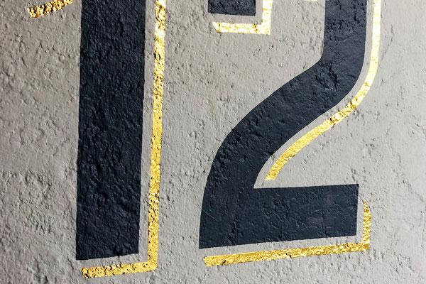Glanzvergoldung auf Fassade