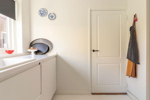 Home Staging mit Küche und Tür