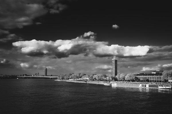 Wolken über Köln (von Hohenzollernbrücke) - Sven Brandenburg