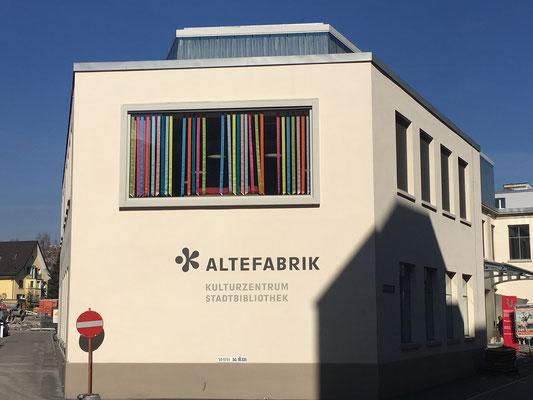 Bänderbaldachin Stadtbibliothek Rapperswil-Jona, Aussenansicht