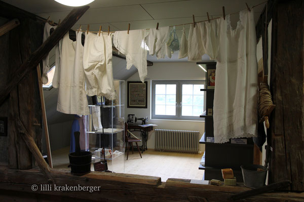 Ortsmuseum Dürstelerhaus 8626 Ottikon-Gossau ZH, Textilraum I