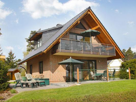Appartment Plau am See und Ferienhäuser in Röbel an der Müritz