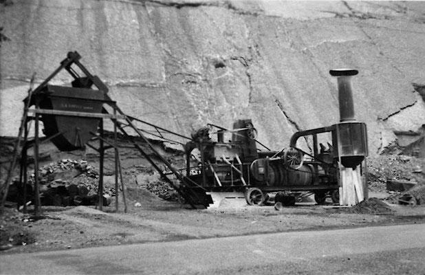 AMMANN Belagsmischwerk im Steinbruch Fallenbach, Brunnen
