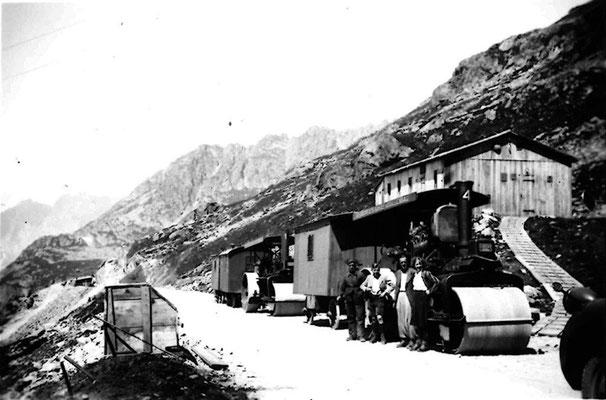 Bau der Susten Passstrasse, bei Urigen, ca. 1943