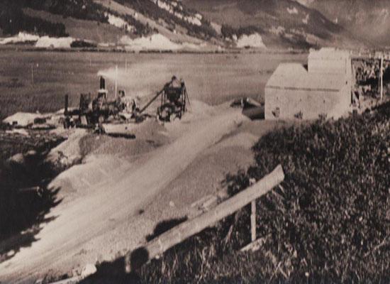 Belagsmischwerk unterhalb des Steinbruchs Chalch, vor Beginn der Staus des Sihlsees, ca. 1932