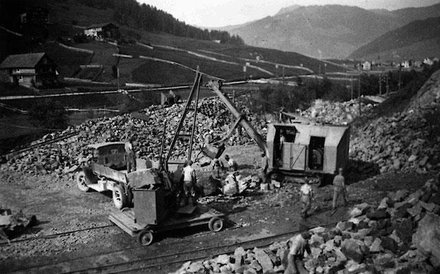 Steinbruch bei der Jessenenbrücke, Unteriberg, mit Berna Lastwagen. ca. 1930