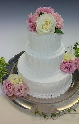 ウェディングケーキ、ホール三段、お花バージョン。イミテーションになります