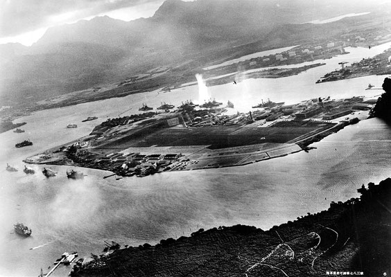 Imperial Japanese Navy - Official U.S. Navy photograph NH 50930.