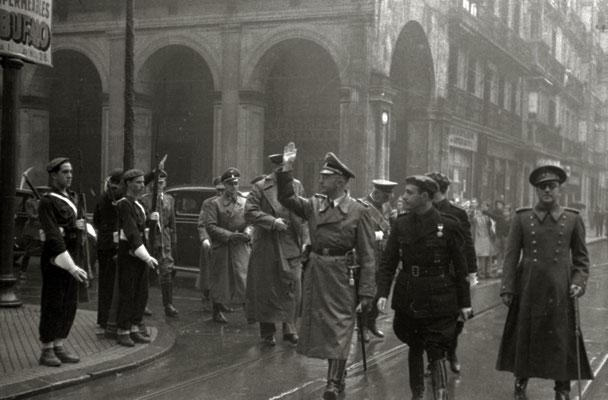 Heinrich Himmler paseando por las calles de San Sebastián. Pascual Marín Kutxa Fototeka (Kutxa Photograph Library)