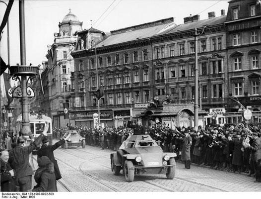 Bundesarchiv, Bild 183-1987-0922-503 / CC-BY-SA 3.0