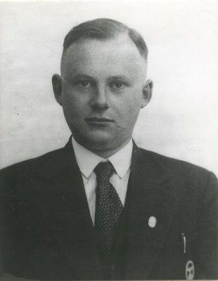 El médico Siegfried Schwela, quien presentó el burdel en Auschwitz en octubre de 1941. Daily Mail
