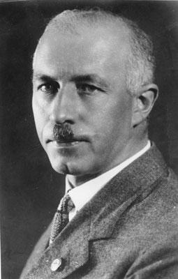 Gottfried Feder en el año 1930. Bundesarchiv, Bild 183-R16259.