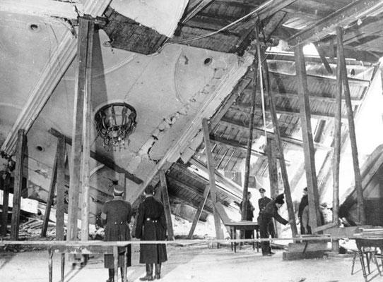 Daños causados por el atentado, Bundesarchiv, Bild 183-E12329/Wagner/CC-BY-SA 3.0.