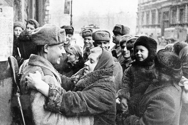 Más de 1 millón civiles perdieron la vida. Es considerado como uno de los asedios más largos y destructivos de la Hiistoria. WWII Pictures