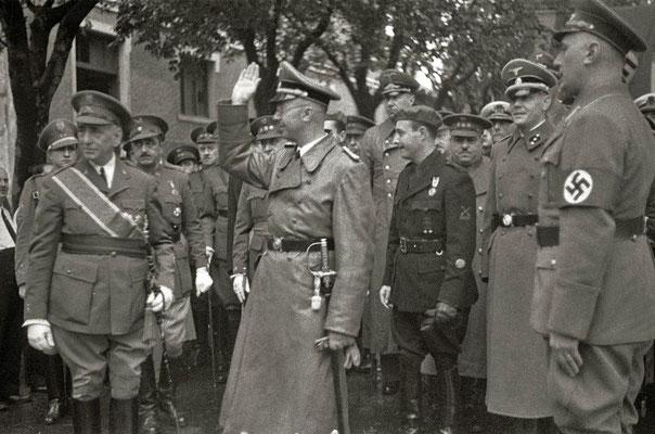 Heinrich Himmler en Irún a su llegada a España. Agustina Zugasti, Kutxa Fototeka (Kutxa Photograph Library), CC BY-SA 3.0