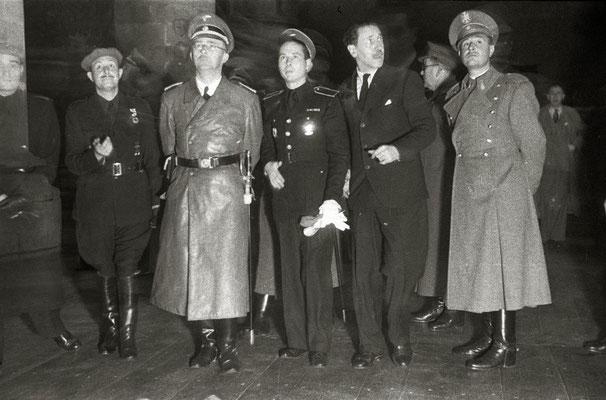 Heinrich Himmler visitando el Museo San Telmo. Agustina Zugasti Kutxa Fototeka (Kutxa Photograph Library)