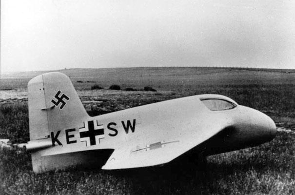Messerschmitt Me 163A V4 (primer prototipo) en 1941, Bundesarchiv, Bild 146-1972-058-62/CC-BY-SA 3.0.