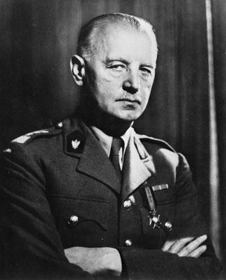 Władysław Sikorski, Primer Ministro del Gobierno de Polonia en el exilio con sede en Londres y Comandante en Jefe de las Fuerzas Armadas polacas al comienzo de la Segunda Guerra Mundial.