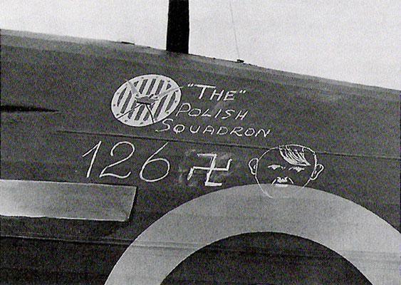 """""""126 Adolfs"""", 126 aviones nazis alemanes derribados por el Escuadrón 303 polaco durante la Batalla de Inglaterra."""
