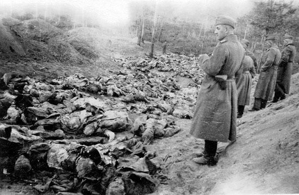 Los asesinatos comenzaban al anochecer y terminaban al amanecer. La mayoría de las víctimas fueron ejecutadas con un disparo en la nuca y de una a una. WWII Pictures