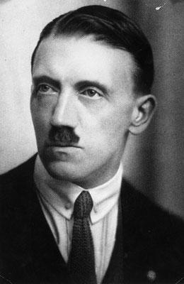Adolf Hitler en el año 1920.