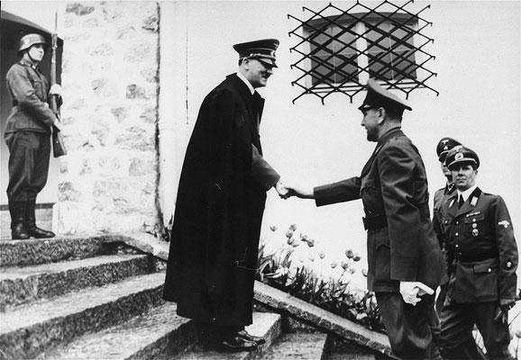 Adolf Hitler y Ante Pavelić en junio de 1941.