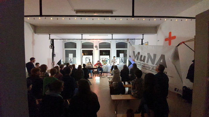 Künstler Martin Lingens, Kleine Ausstellung auf einem Open Mic Abend in Aachen