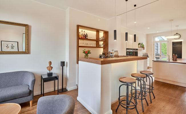 1899 - Ferienhaus, Seminarhaus und Kochwerkstatt / Café-Bar mit angrenzender Lounge